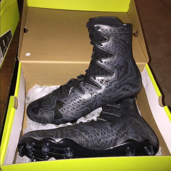 4a7b2b0af New Under Armour UA Highlight Lux MC FB Cleats 13!